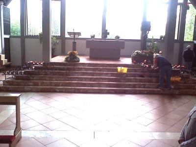 09Autobahnkirche-050211093657.jpg - small